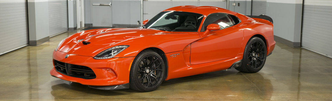 Rent a dodge srt viper gt from club sportiva california hero image