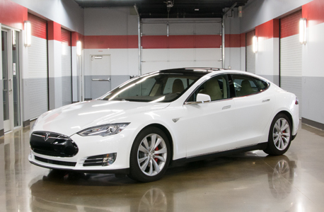 Tesla model s p85d for rent thumbnail