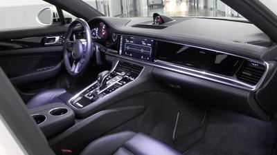 Panamera interior front
