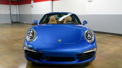 Porsche 911 targa4s sapphire blue front