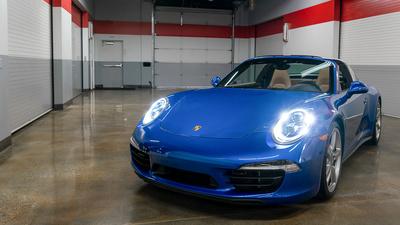Porsche 911 targa4s sapphire blue frontiso lightson banner