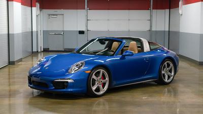 Porsche 911 targa4s sapphire blue frontiso thumbnail