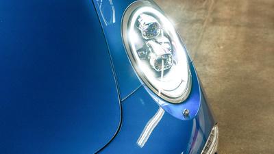 Porsche 911 targa4s sapphire blue headlight