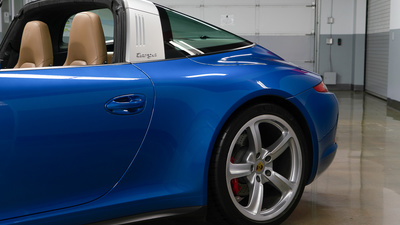 Porsche 911 targa4s sapphire blue targa1