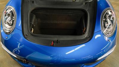 Porsche 911 targa4s sapphire blue trunk