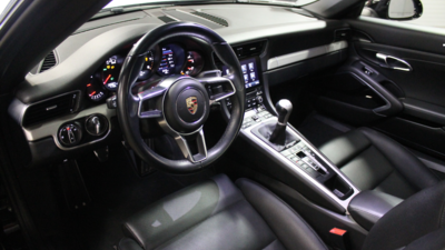 911 carerra   interior